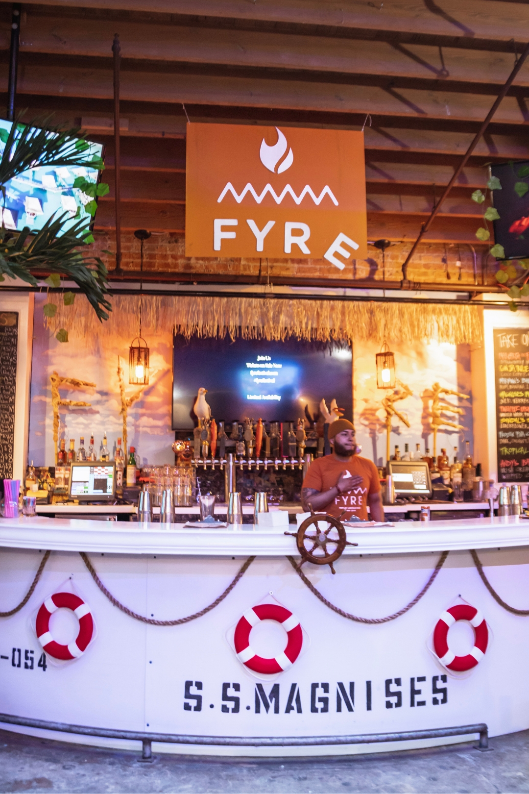 A Fyre Festival -Themed Pop-up Bar Just Opened In Chicago